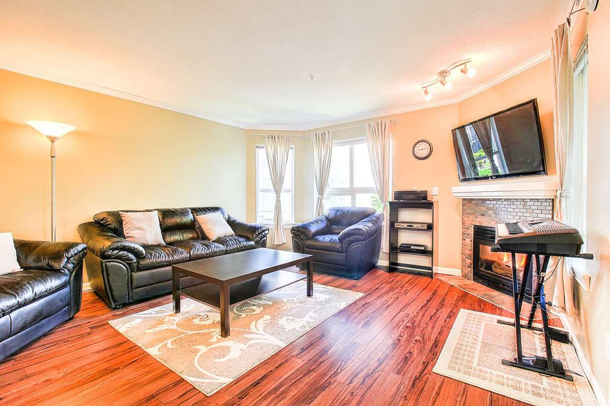 """Main Photo: 209 8068 120A Street in Surrey: Queen Mary Park Surrey Condo for sale in """"QUEEN MARY PARK"""" : MLS®# R2288928"""