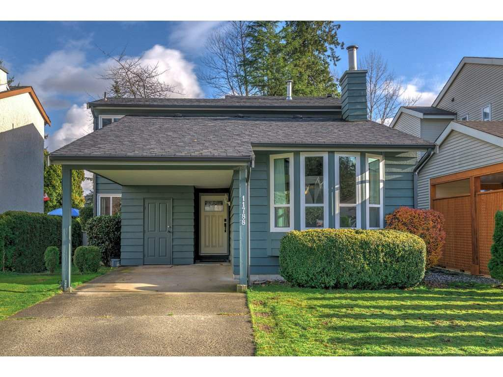 Main Photo: 11788 N WILDWOOD Crescent in Pitt Meadows: South Meadows House for sale : MLS®# R2325669