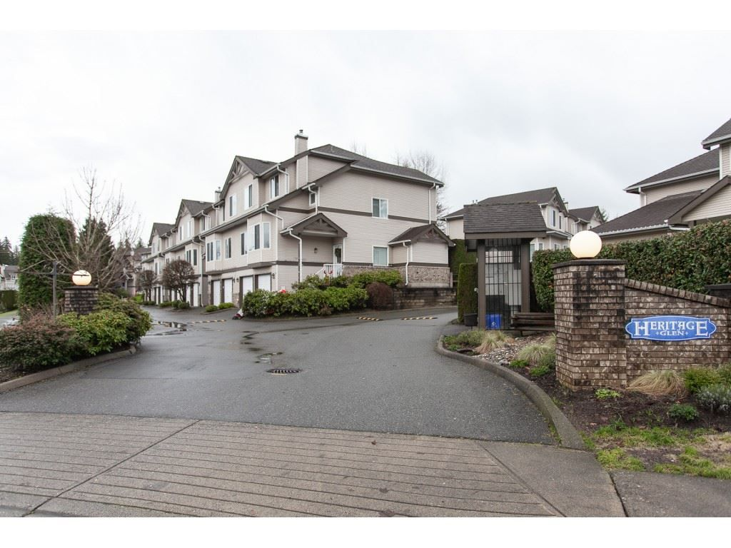 Main Photo: 20 20750 TELEGRAPH Trail in Langley: Walnut Grove Townhouse for sale : MLS®# R2335222