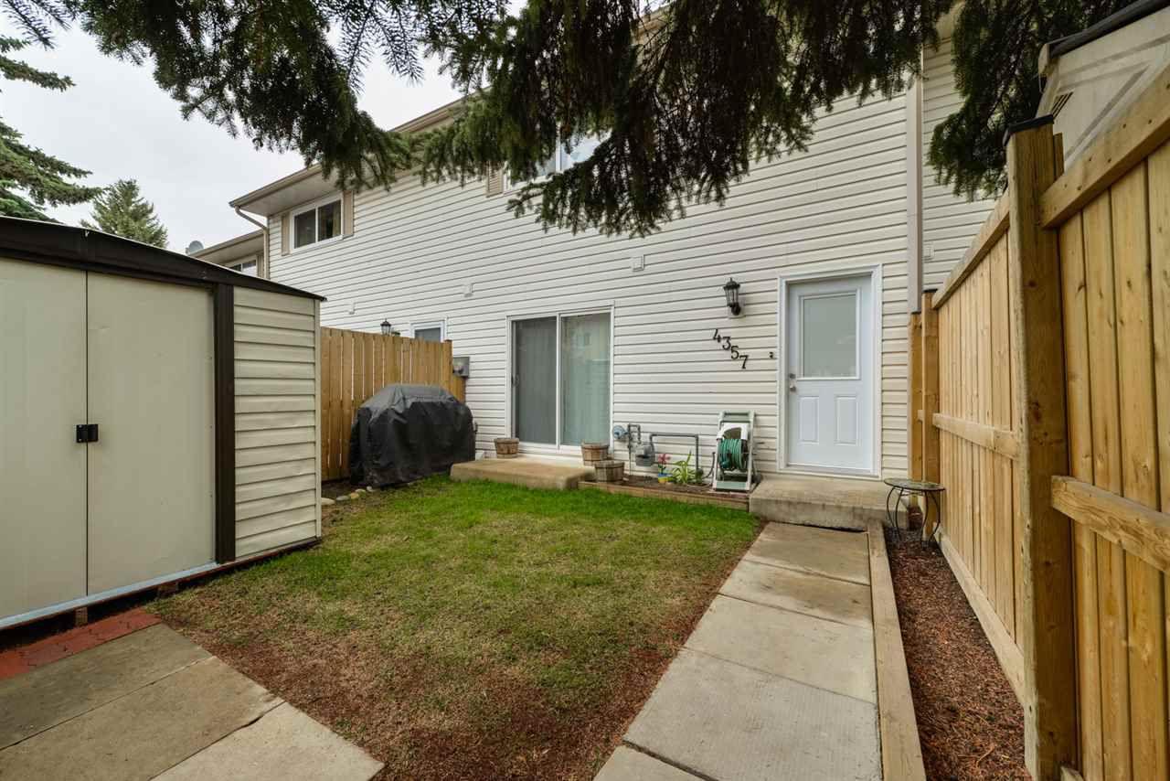 Main Photo: 4357 46 Street: Stony Plain Townhouse for sale : MLS®# E4146396