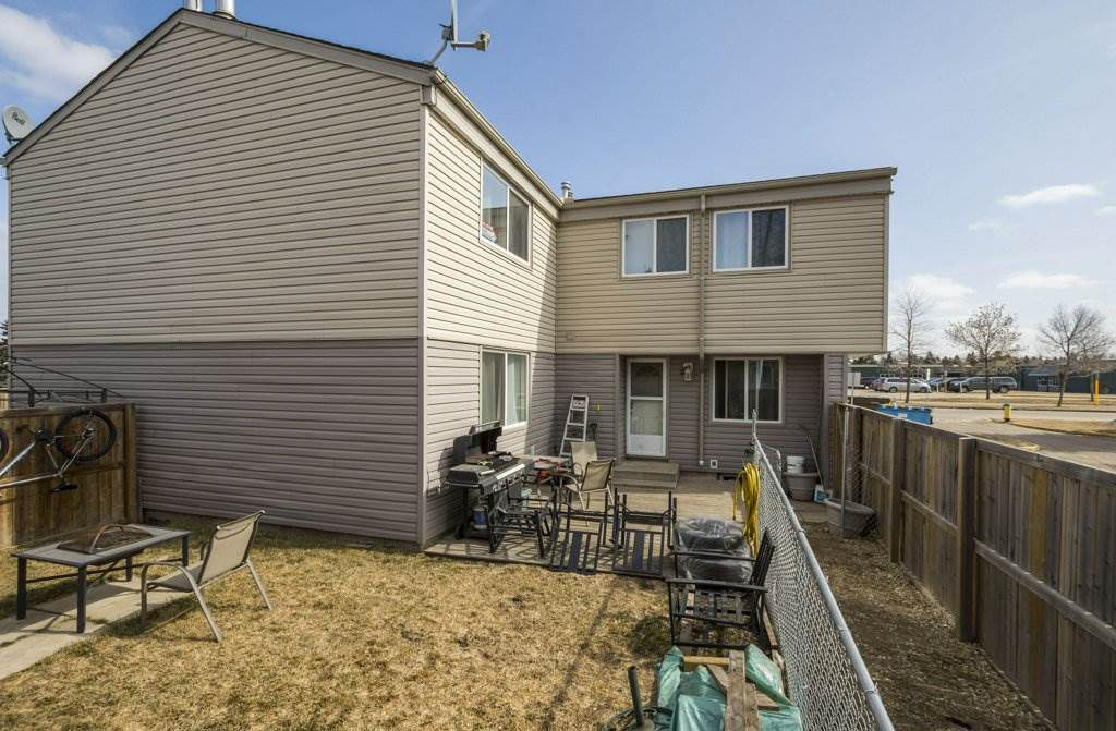 Main Photo: 5632 148 Street in Edmonton: Zone 14 Townhouse for sale : MLS®# E4151498