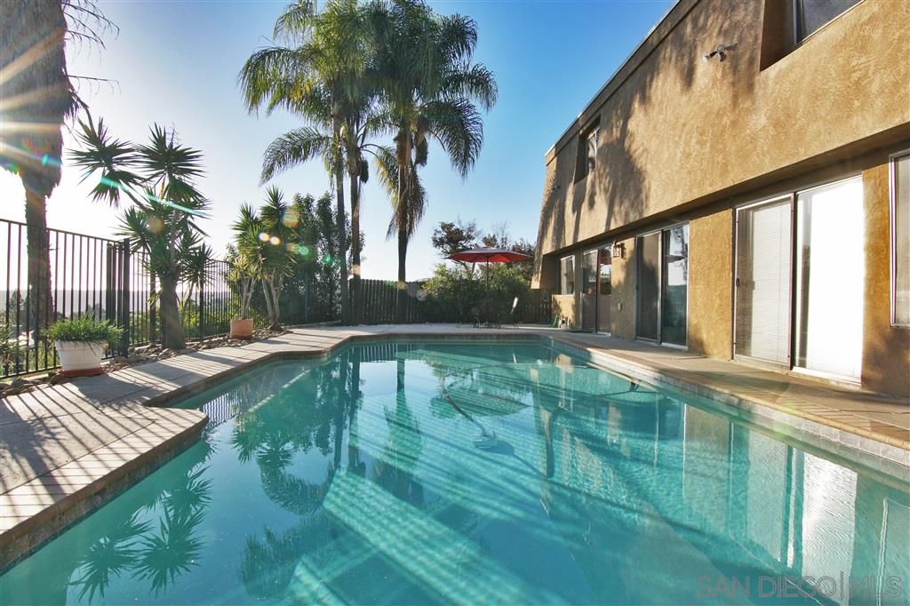 Main Photo: DEL CERRO House for sale : 4 bedrooms : 5957 Highplace Dr in San Diego