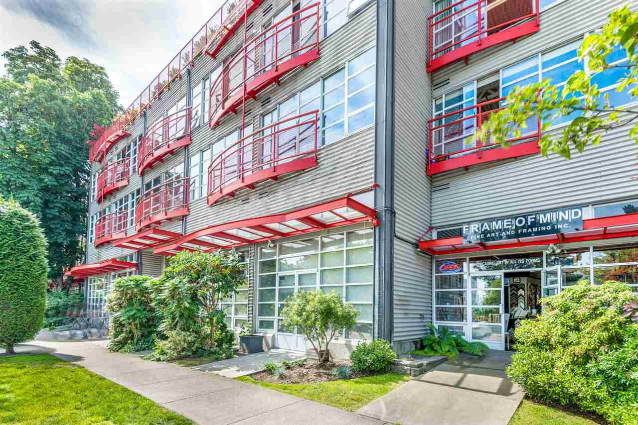 """Main Photo: 305 350 E 2ND Avenue in Vancouver: Mount Pleasant VE Condo for sale in """"MAINSPACE"""" (Vancouver East)  : MLS®# R2383074"""
