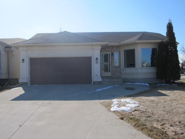 Main Photo: 84 BARLOW Crescent in WINNIPEG: St Vital Residential for sale (South East Winnipeg)  : MLS®# 1107407