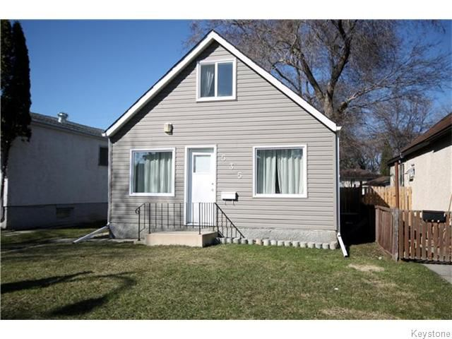 Main Photo: 535 Melbourne Avenue in Winnipeg: East Kildonan Residential for sale (North East Winnipeg)  : MLS®# 1607432