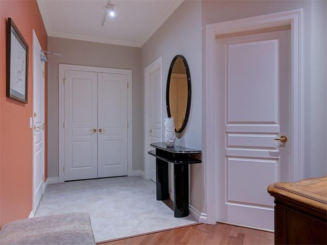 Photo 4: Photos: 415 59 22 Avenue SW in Calgary: Erlton Condo for sale : MLS®# C4064383