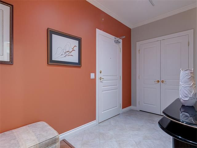 Photo 3: Photos: 415 59 22 Avenue SW in Calgary: Erlton Condo for sale : MLS®# C4064383