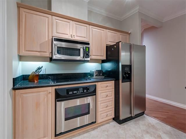 Photo 11: Photos: 415 59 22 Avenue SW in Calgary: Erlton Condo for sale : MLS®# C4064383