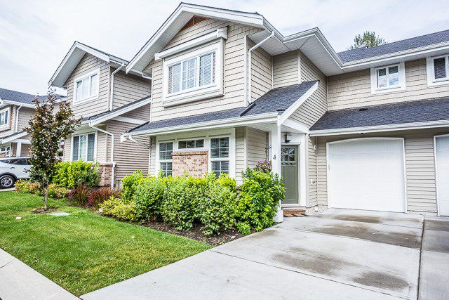 "Main Photo: 4 12161 237 Street in Maple Ridge: East Central Townhouse for sale in ""VILLAGE GREEN"" : MLS®# R2097665"