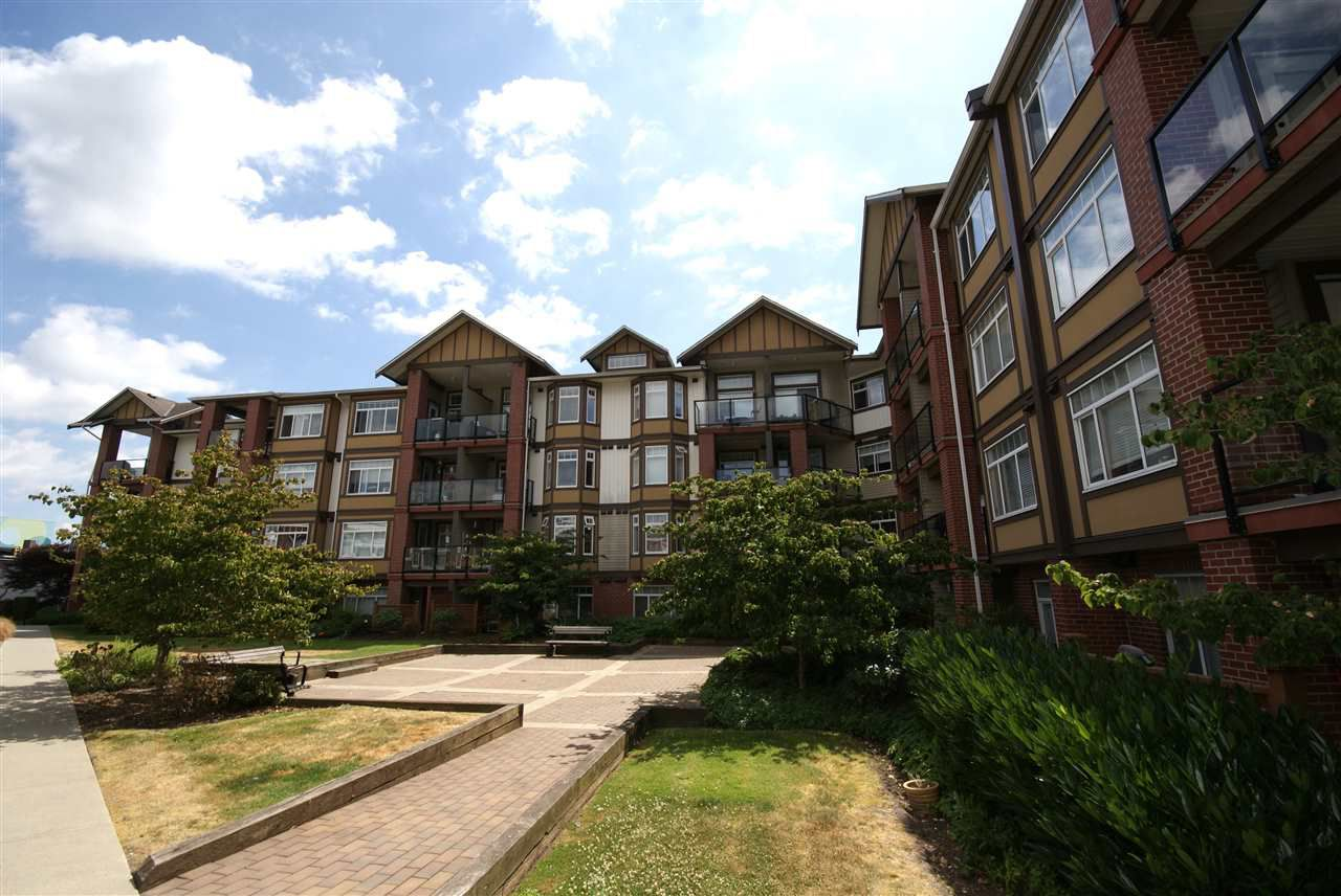 """Main Photo: 237 5660 201A Street in Langley: Langley City Condo for sale in """"Paddinton Station"""" : MLS®# R2188422"""