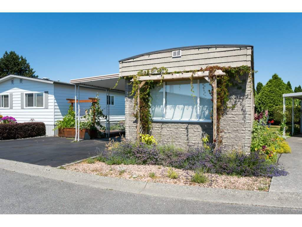 """Main Photo: 3 2120 KING GEORGE Boulevard in Surrey: King George Corridor Manufactured Home for sale in """"Five Oaks"""" (South Surrey White Rock)  : MLS®# R2189509"""
