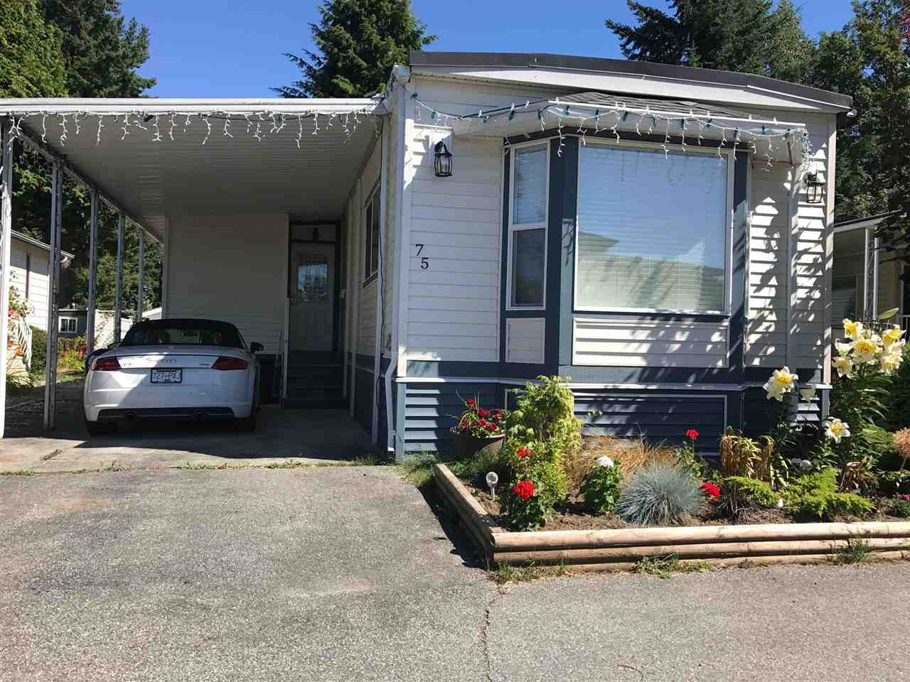 "Main Photo: 75 8560 156 Street in Surrey: Fleetwood Tynehead Manufactured Home for sale in ""Westvilla"" : MLS®# R2194254"