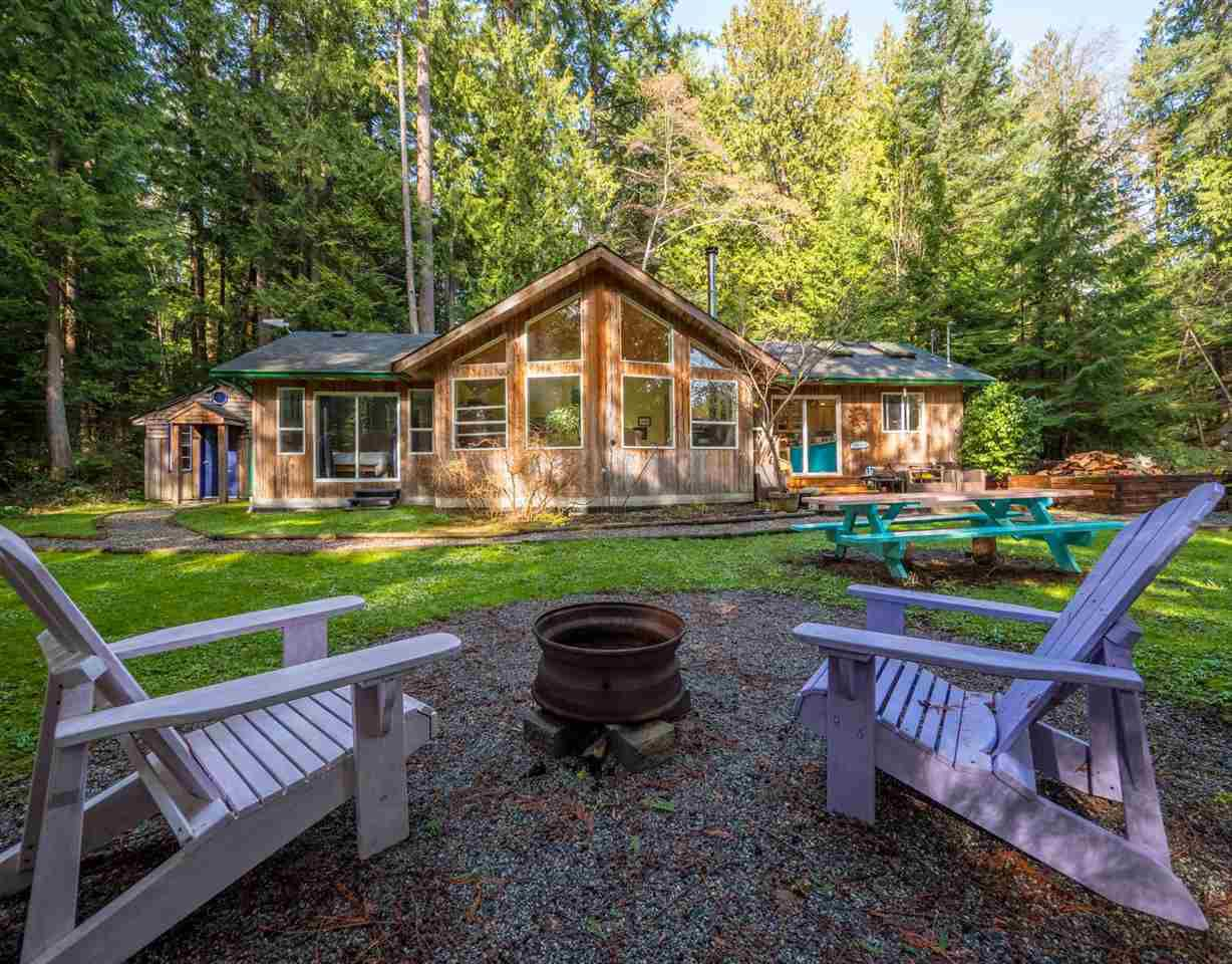 Photo 1: Photos: 1421 MARGARET Road: Roberts Creek House for sale (Sunshine Coast)  : MLS®# R2243186