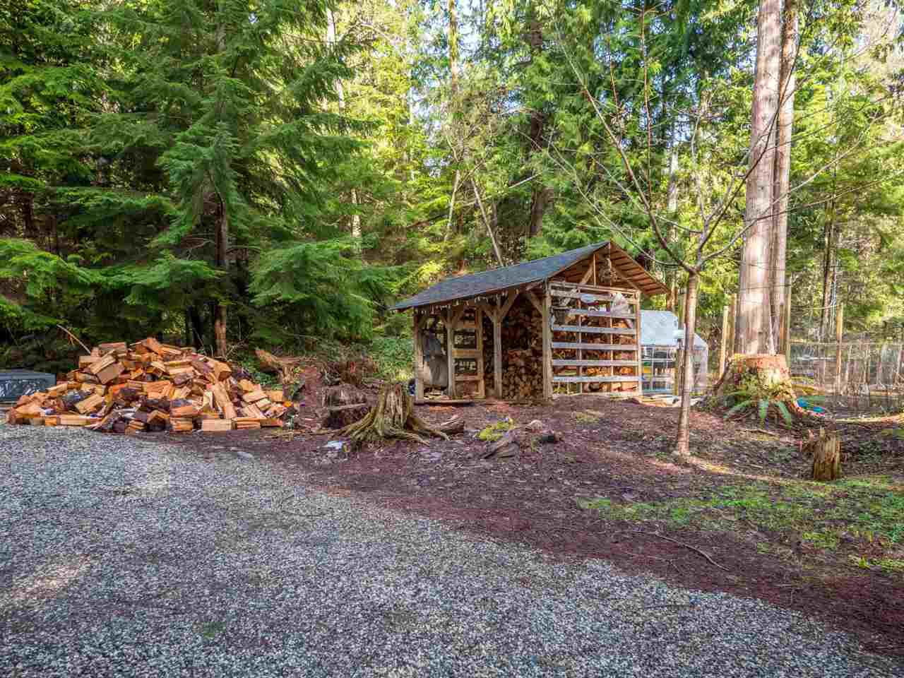 Photo 15: Photos: 1421 MARGARET Road: Roberts Creek House for sale (Sunshine Coast)  : MLS®# R2243186