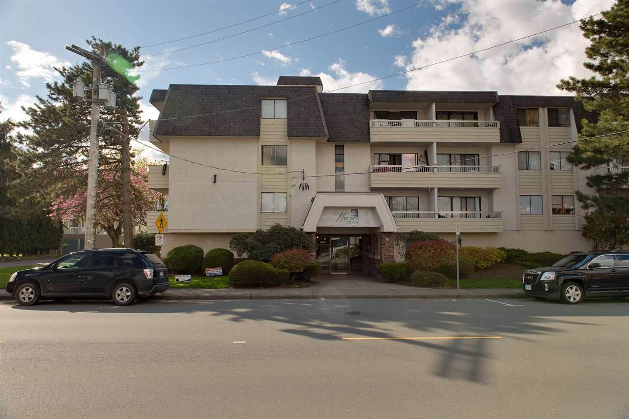 """Main Photo: 105 9477 COOK Street in Chilliwack: Chilliwack N Yale-Well Condo for sale in """"WINDSOR PINES"""" : MLS®# R2243811"""