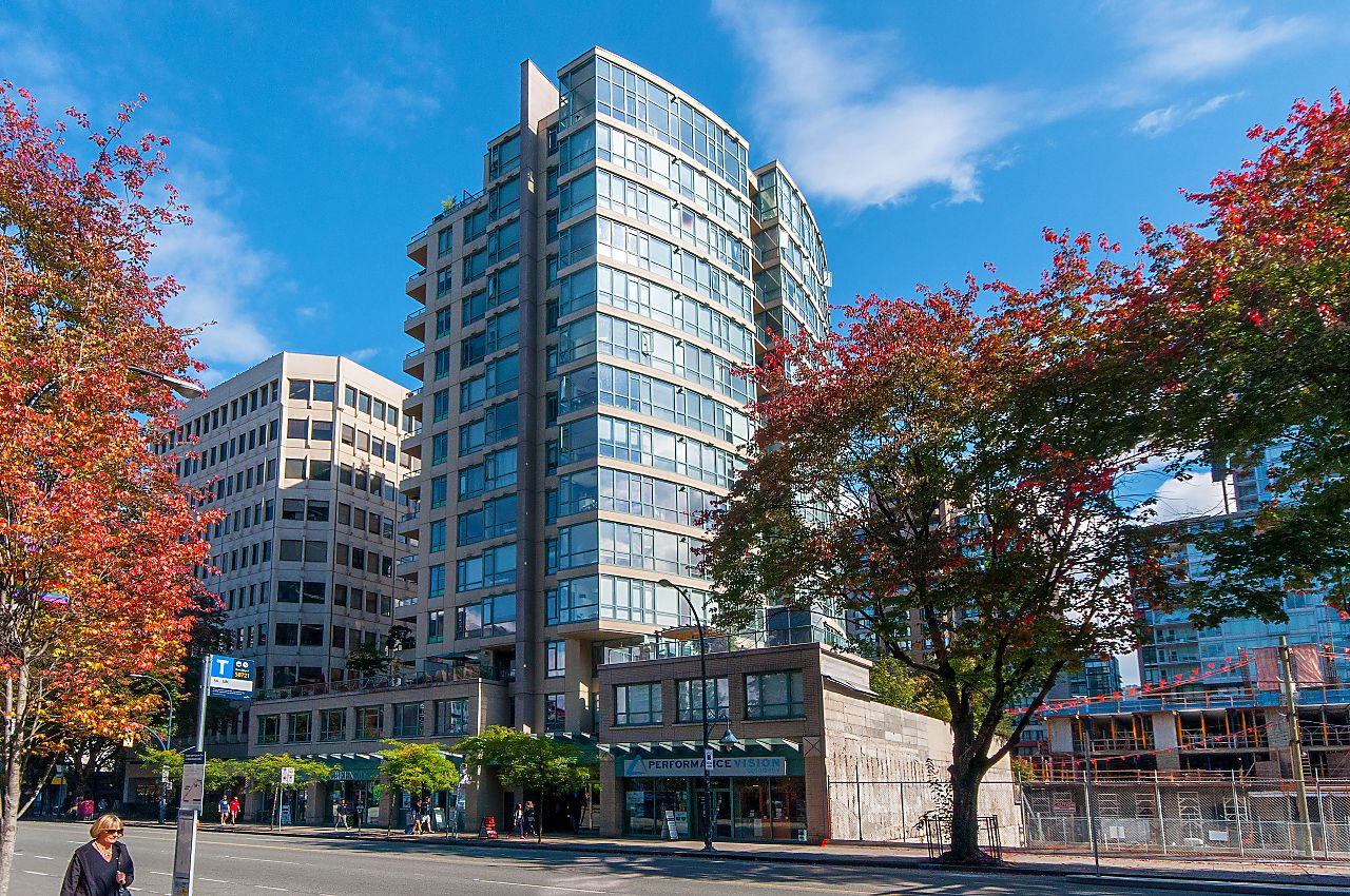 """Main Photo: 805 1238 BURRARD Street in Vancouver: Downtown VW Condo for sale in """"ALTADENA"""" (Vancouver West)  : MLS®# R2306598"""