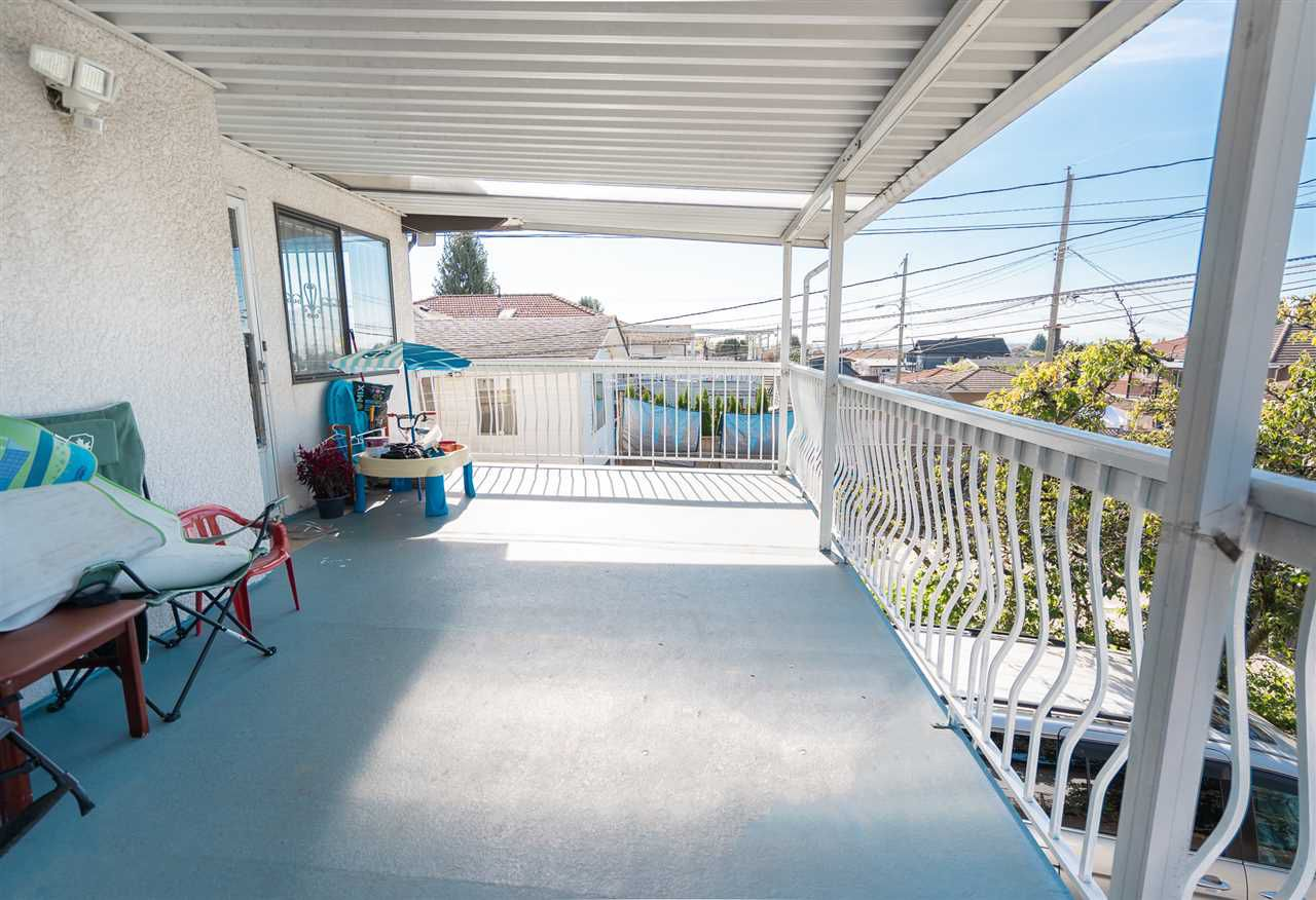 Photo 3: Photos: 6819 KNIGHT Street in Vancouver: South Vancouver House for sale (Vancouver East)  : MLS®# R2309978