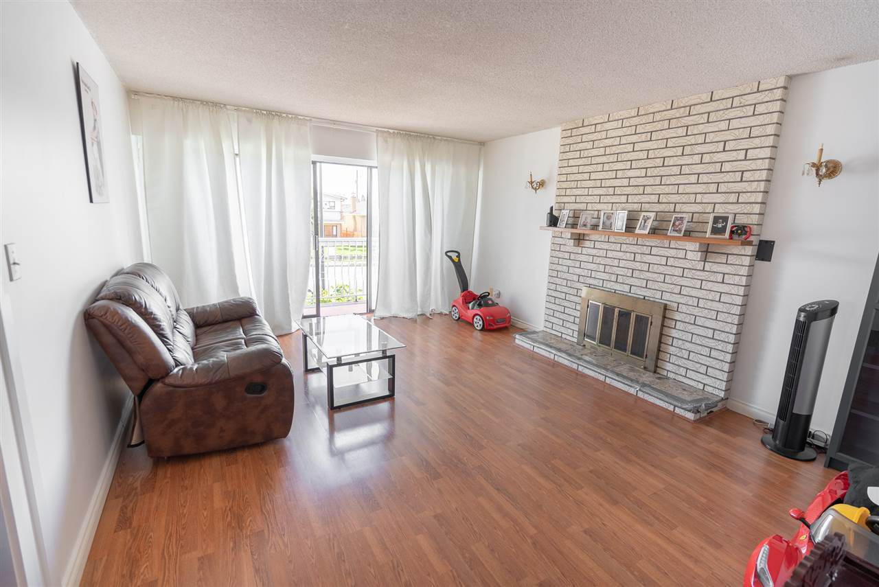 Photo 5: Photos: 6819 KNIGHT Street in Vancouver: South Vancouver House for sale (Vancouver East)  : MLS®# R2309978