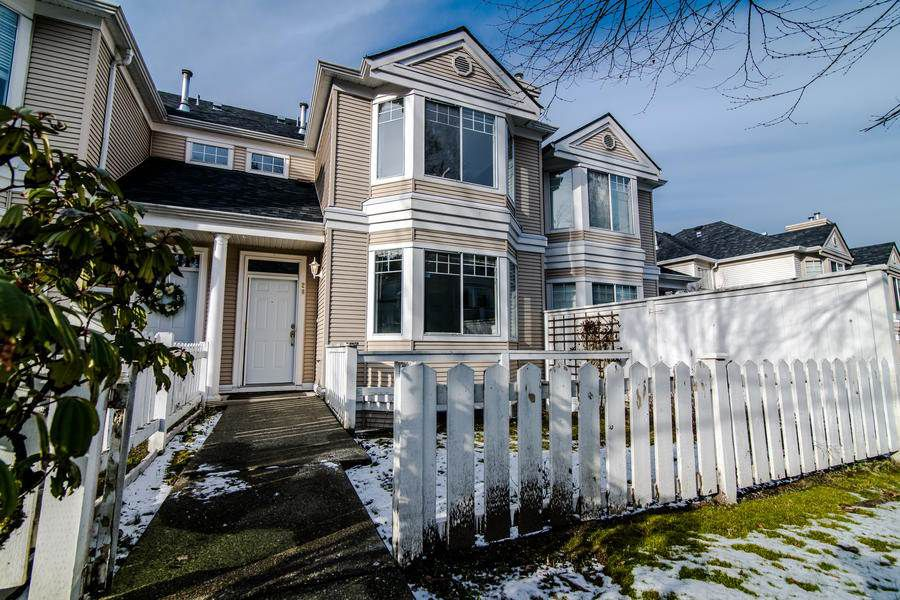 """Main Photo: 28 7501 CUMBERLAND Street in Burnaby: The Crest Townhouse for sale in """"DEERFIELD"""" (Burnaby East)  : MLS®# R2340421"""