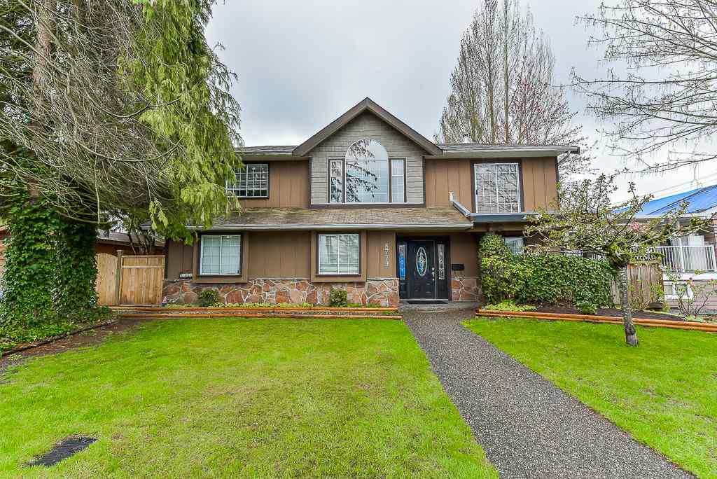 Main Photo: 8779 164 Street in Surrey: Fleetwood Tynehead House for sale : MLS®# R2358497