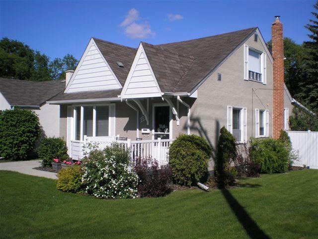 Main Photo: 883 Kildonan Drive in Winnipeg: Residential for sale : MLS®# 1203838