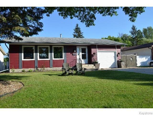 Main Photo: 11 Buckle Drive in WINNIPEG: Charleswood Residential for sale (South Winnipeg)  : MLS®# 1517415