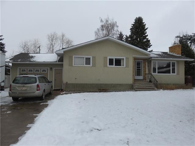 Main Photo: 304 4 Street N: Vulcan House for sale : MLS®# C4047745