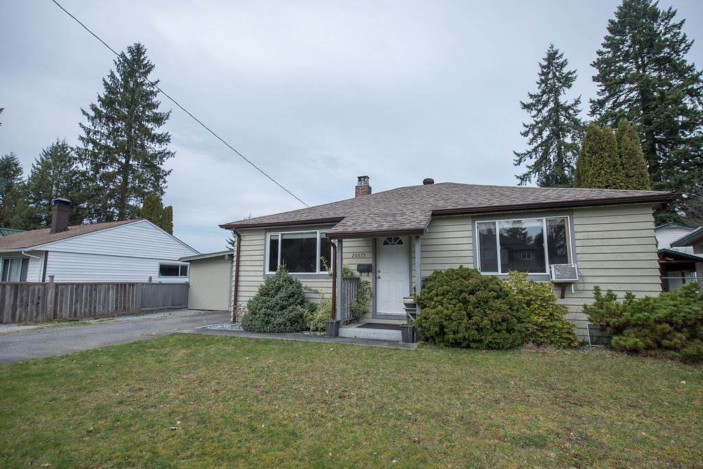 Main Photo: 20875 CAMWOOD Avenue in Maple Ridge: Southwest Maple Ridge House for sale : MLS®# R2039990