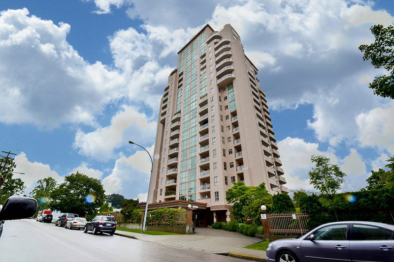 """Main Photo: 1804 612 FIFTH Avenue in New Westminster: Uptown NW Condo for sale in """"THE FIFTH AVENUE"""" : MLS®# R2086413"""