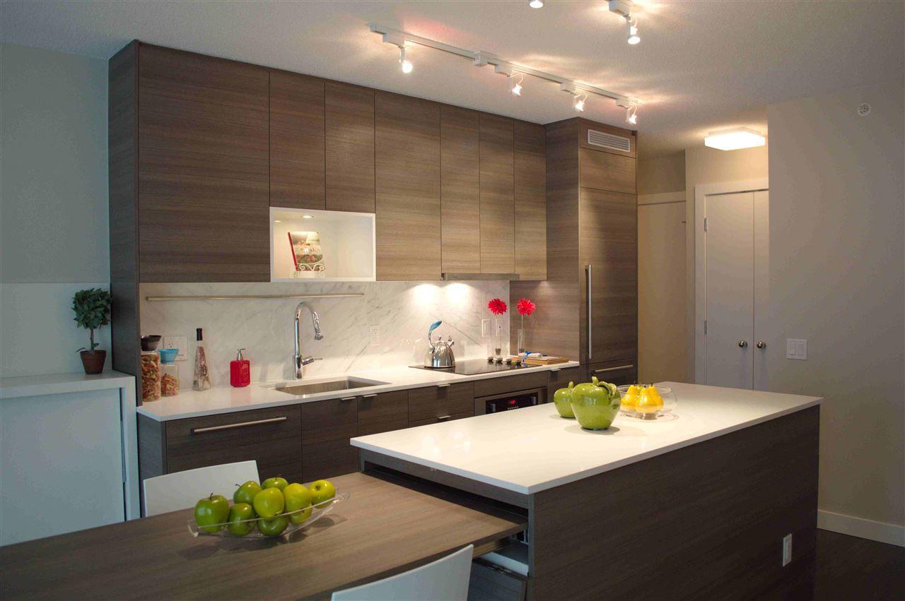 """Main Photo: 3210 13398 104 Avenue in Surrey: Whalley Condo for sale in """"Alumni Tower"""" (North Surrey)  : MLS®# R2137967"""