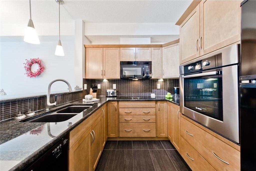 Main Photo: 215 70 Royal Oak Plaza NW in Calgary: Royal Oak Condo for sale : MLS®# C4146193