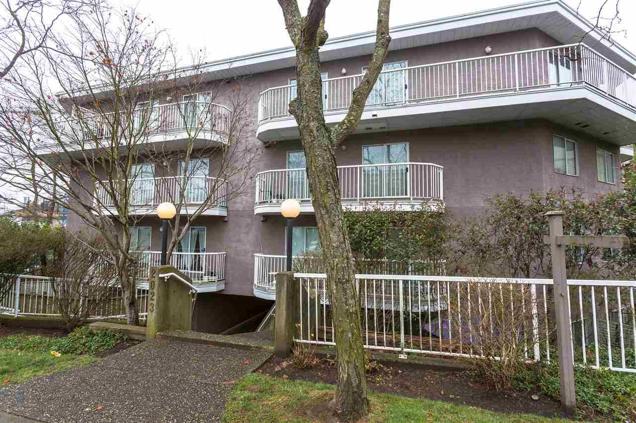 """Main Photo: 308 2023 FRANKLIN Street in Vancouver: Hastings Condo for sale in """"LESLIE POINT"""" (Vancouver East)  : MLS®# R2227826"""