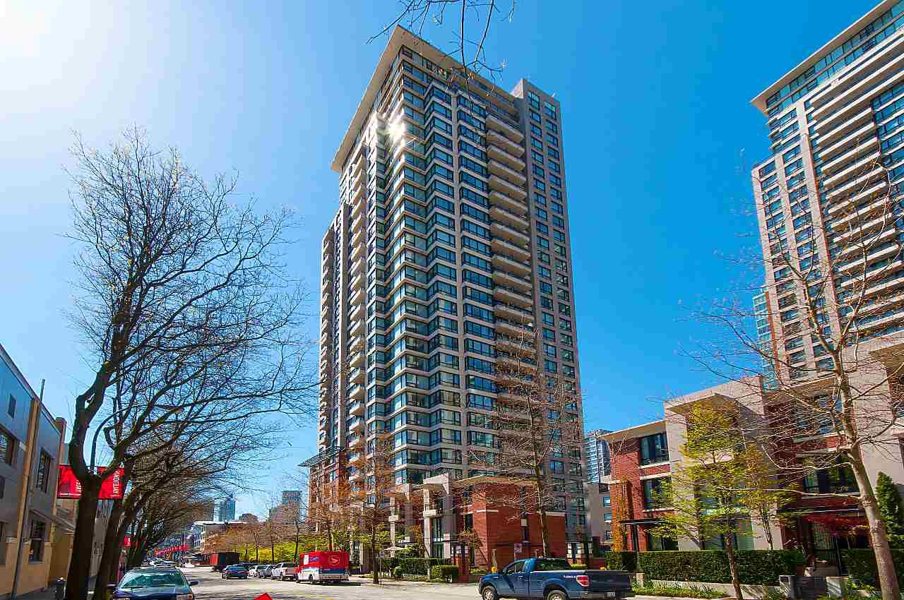 """Main Photo: 2503 977 MAINLAND Street in Vancouver: Yaletown Condo for sale in """"YALETOWN PARK III"""" (Vancouver West)  : MLS®# R2263314"""