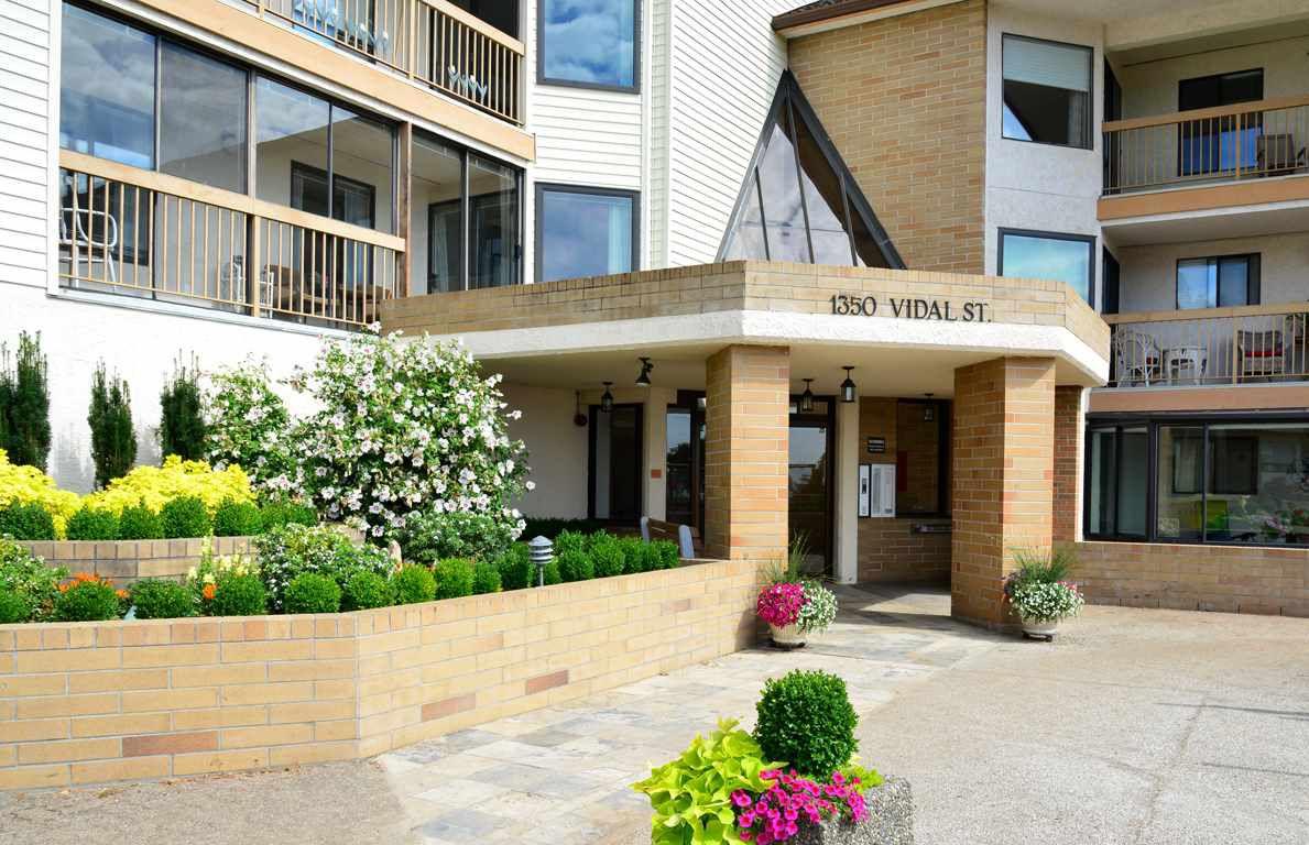 "Main Photo: 403 1350 VIDAL Street: White Rock Condo for sale in ""SEAPARK"" (South Surrey White Rock)  : MLS®# R2301837"