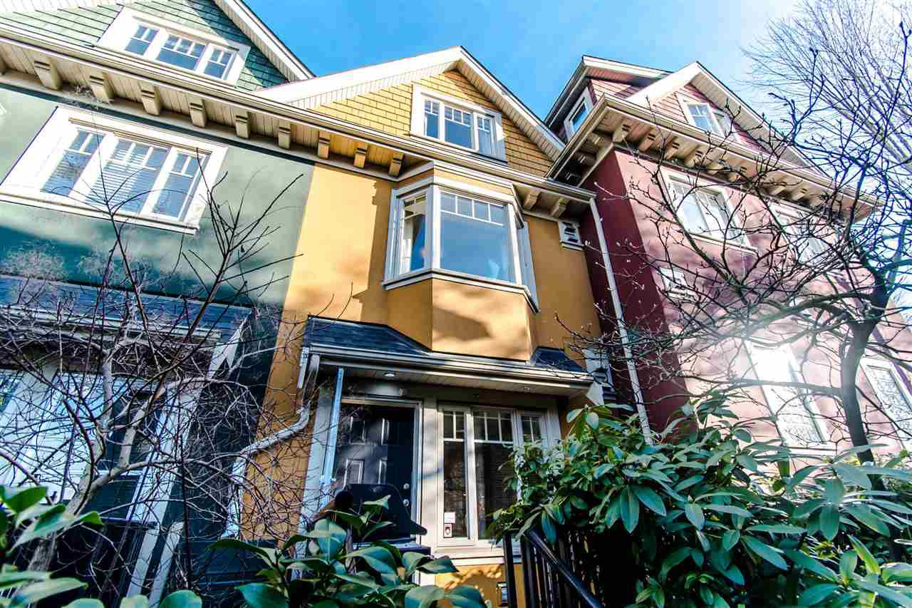 Main Photo: 2291 CAROLINA Street in Vancouver: Mount Pleasant VE Townhouse for sale (Vancouver East)  : MLS®# R2334454