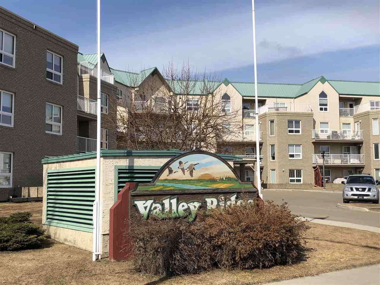 Located on the beautiful Fort Saskatchewan river valley, Valley Ridge Estates is THE place to retire!