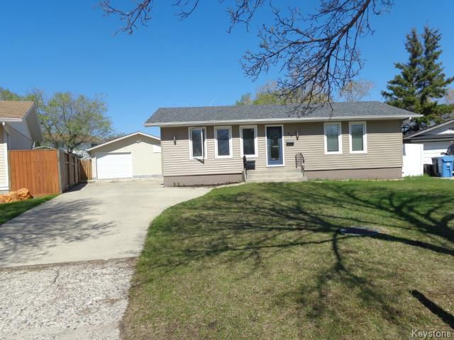 Main Photo: 94 Deloraine Drive in WINNIPEG: Westwood / Crestview Residential for sale (West Winnipeg)  : MLS®# 1513284