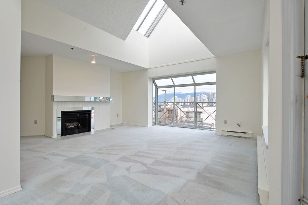 "Main Photo: 301 910 W 8TH Avenue in Vancouver: Fairview VW Condo for sale in ""RHAPSODY"" (Vancouver West)  : MLS®# R2030160"