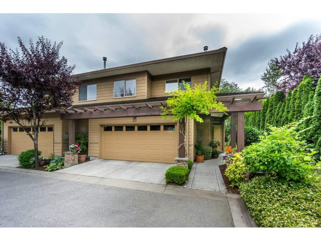 "Main Photo: 20 16655 64 Avenue in Surrey: Cloverdale BC Townhouse for sale in ""Ridgewoods"" (Cloverdale)  : MLS®# R2086382"