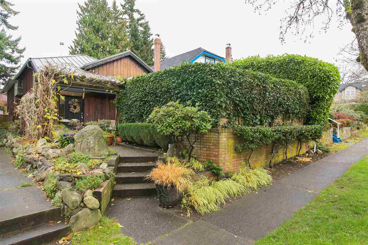 Main Photo: 3531 W 33RD Avenue in Vancouver: Dunbar House for sale (Vancouver West)  : MLS®# R2125524