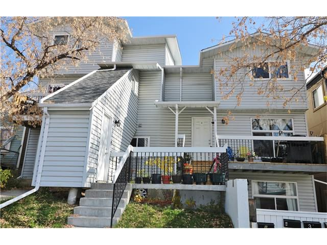 Main Photo: 2 3820 PARKHILL Place SW in Calgary: Parkhill Condo for sale : MLS®# C4111236