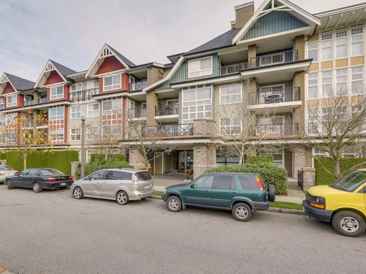 "Main Photo: 405 7088 MONT ROYAL Square in Vancouver: Champlain Heights Condo for sale in ""BRITTANY"" (Vancouver East)  : MLS®# R2220776"
