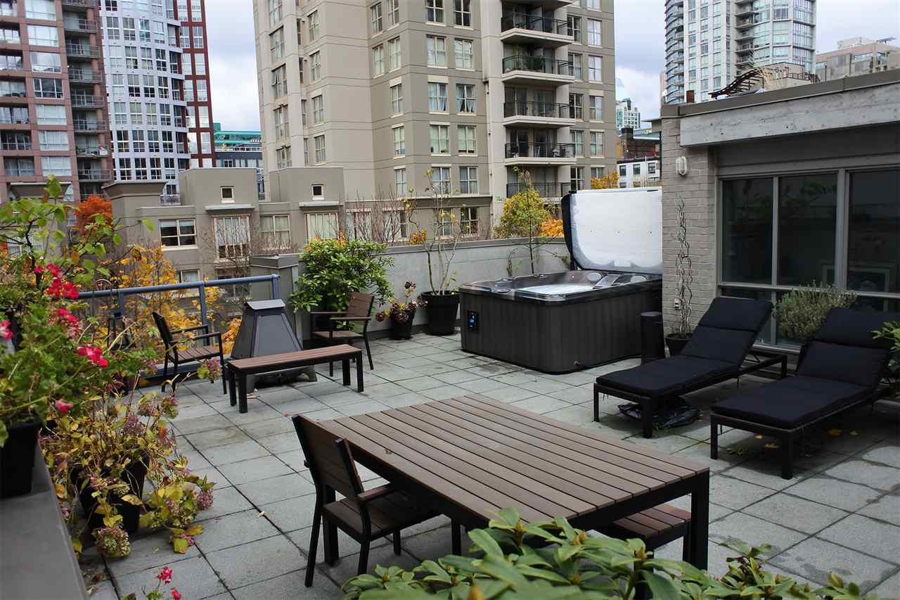 Main Photo: 313 928 RICHARDS STREET in Vancouver: Yaletown Condo for sale (Vancouver West)  : MLS®# R2224841