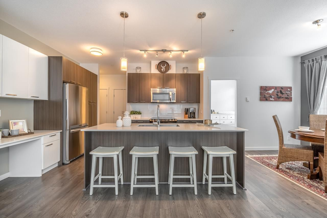 Main Photo: 312 617 Smith Avenue in : Coquitlam West Condo for sale (Coquitlam)  : MLS®# R2255809