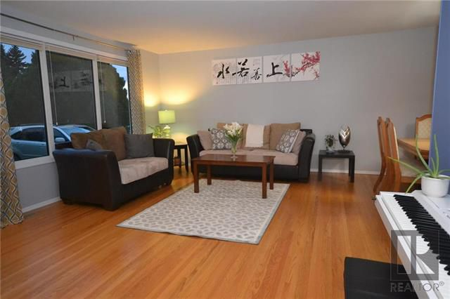 Photo 3: Photos: 37 Cormorant Bay in Winnipeg: Southdale Residential for sale (2H)  : MLS®# 1826557
