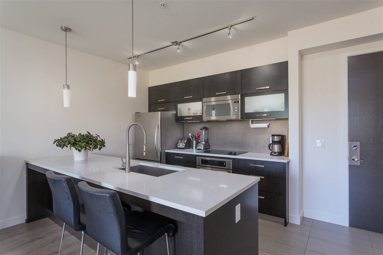 """Main Photo: 321 3333 MAIN Street in Vancouver: Main Condo for sale in """"3333 MAIN"""" (Vancouver East)  : MLS®# R2371540"""