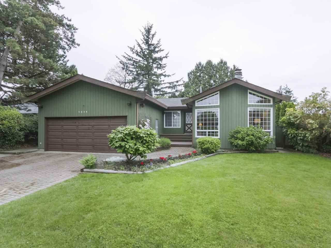 Main Photo: 5254 WALNUT Place in Delta: Hawthorne House for sale (Ladner)  : MLS®# R2372102