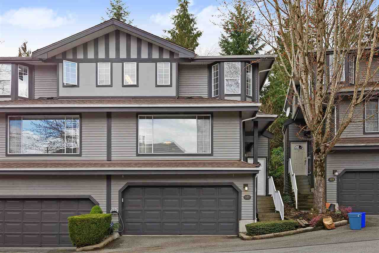 "Main Photo: 127 2998 ROBSON Drive in Coquitlam: Westwood Plateau Townhouse for sale in ""FOXRUN"" : MLS®# R2376180"