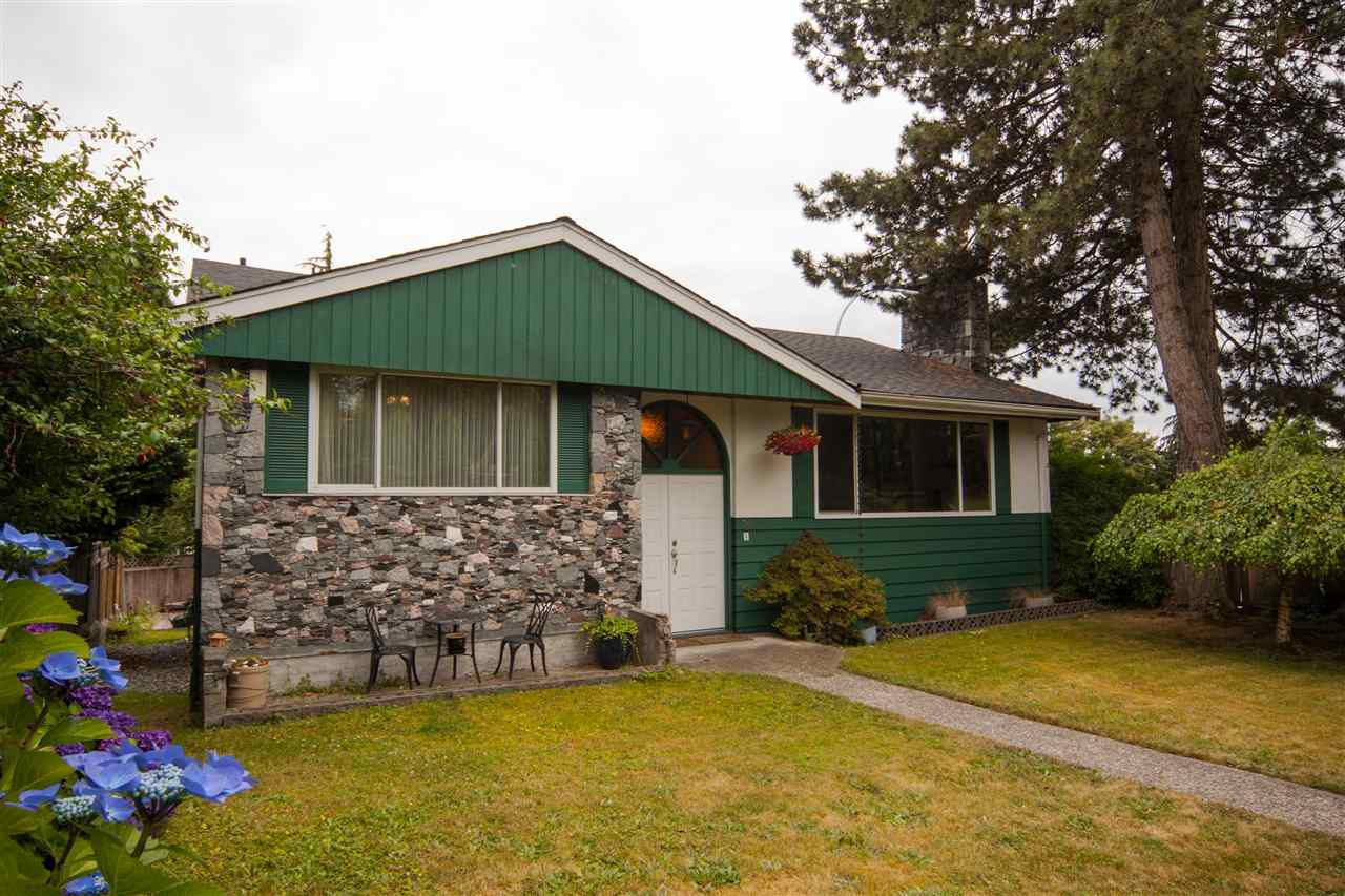 Main Photo: 16 E TENTH Avenue in New Westminster: The Heights NW House for sale : MLS®# R2388668