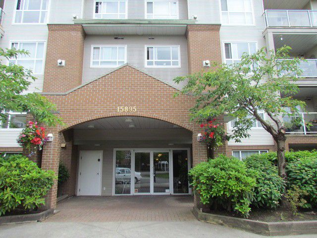 "Main Photo: 305 15895 84 Avenue in Surrey: Fleetwood Tynehead Condo for sale in ""Abbey Road"" : MLS®# F1414383"